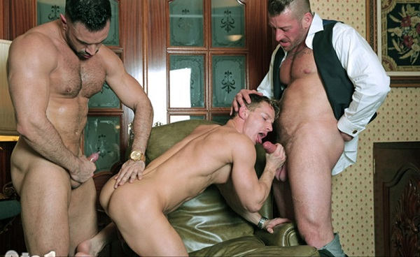 amateur threesomes galleries