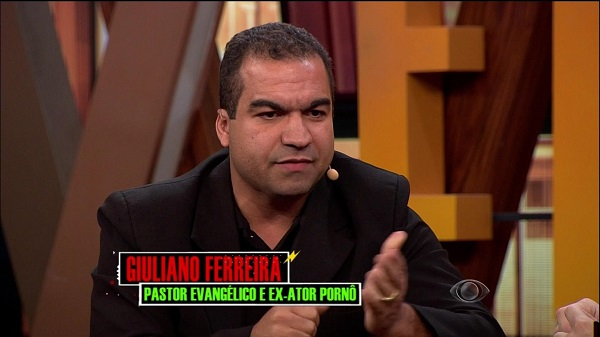 Photo of Ex-ator pornô Giuliano Ferreira em entrevista para o Rafinha Bastos