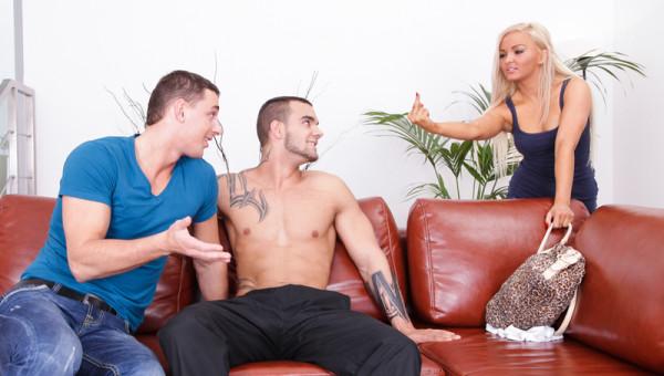 Photo of Cheguei das compras e meu namorado tava dando o rabo!