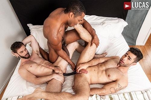 Photo of Big Black Dicks – Jason Cox & Lucas Leon share Sean Xavier's massive cock – Bareback