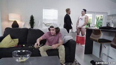 Photo of GayWire – Fodendo o amigo do Enteado – Johnny V, Axel Kane & Landon Matthews